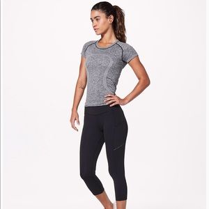 "Lululemon Speed Up Crop 21"" tight legging"